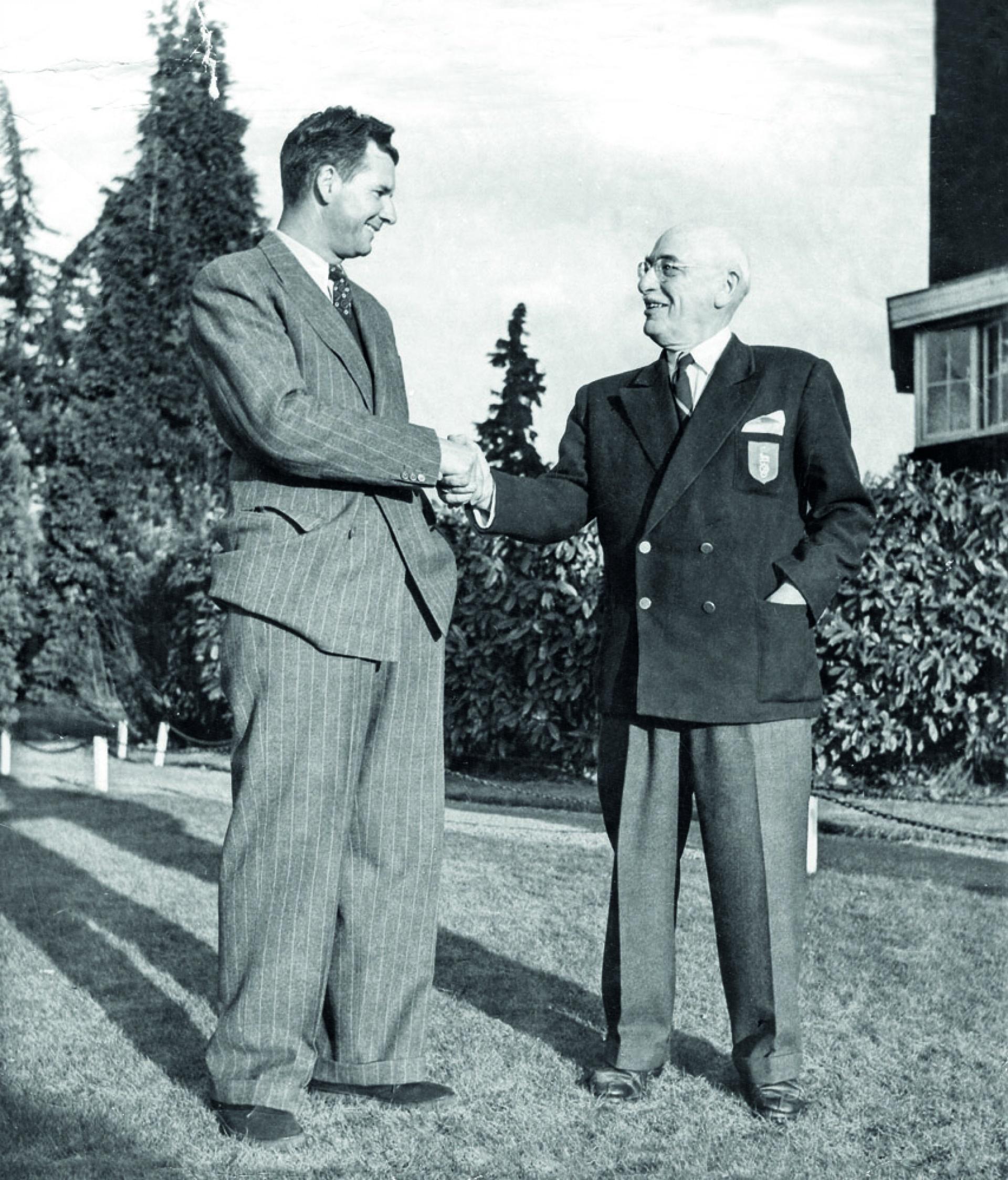 Flory Van Donck, Head Pro (à gauche)