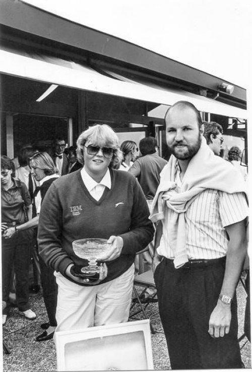 Première victoire de Laura Davies à 21 ans avec son caddie lors Ladies Godiva Open 1985